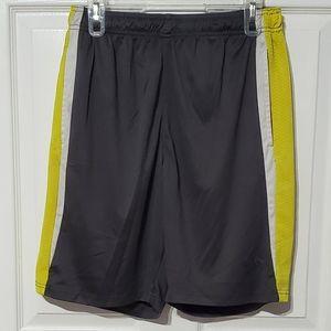 Umbro Mens Gray & Yellow Athletic Shorts